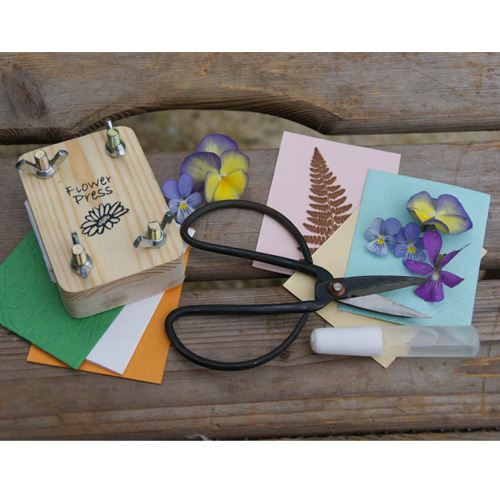 Gift in a Tin Flower Pressing Kit